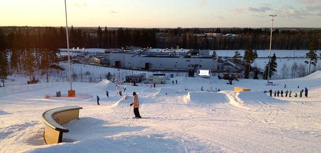 Lumiparkki Kivikko – Kaupunkilaisten jibbailualue